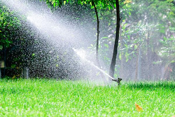 Sistemas de riego jardiner a costa verde for Riego automatico jardin